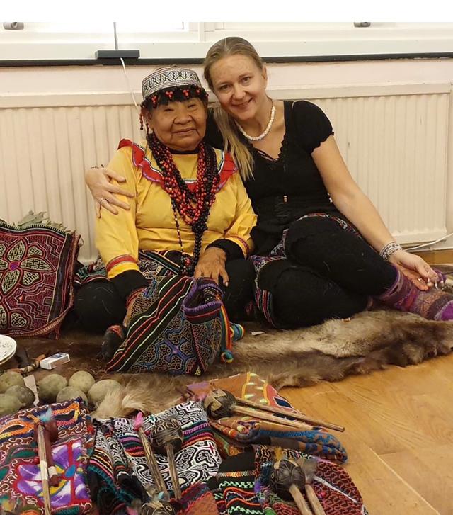 Anna Larsson och Mama Selmira